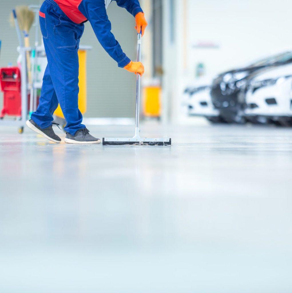 man-cleaning-epoxy-floor